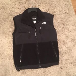 Men's Small North Face Vest